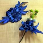 ターコイズブルーのヘッドドレスとブートニア
