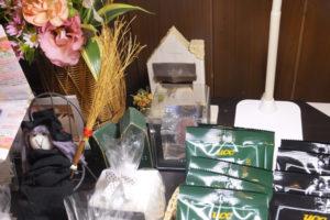 こうひい庵「販売中の商品と飾り」