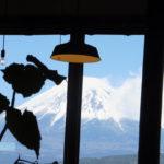 至福のフルーツパフェ物語から見る富士山