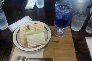 いろどり珈琲「朝サンドイッチとソーダ(色:紫)」