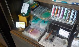 cafe航路の雑貨棚「ボールペンスタンド」