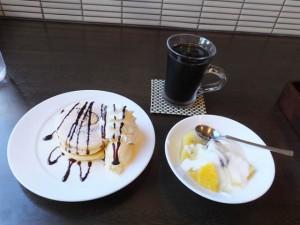 ボン・コリーヌ「ランチセットのヨーグルト」と「+250円のミニパンケーキ」