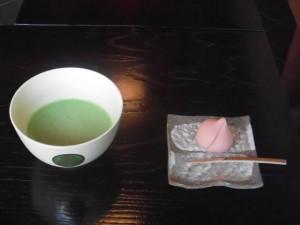 抹茶・・・西尾の「初昔(はつむかし)」、菓子・・・ねりきり「西王母」