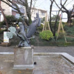石川県観光物産館近くの通りにあった像