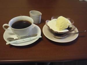 cafe 航路「ミニコーヒーゼリーと珈琲」
