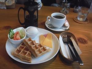 cafe mitte「ワッフルモーニング」