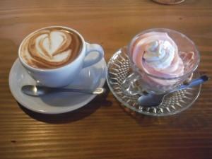 cafe mitte「シルクアイス-ストロベリーとカプチーノ」(13/1/26)