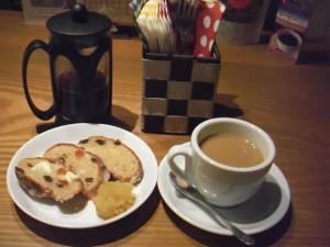 cafe mitte「シュトレーンとコーヒープレス」