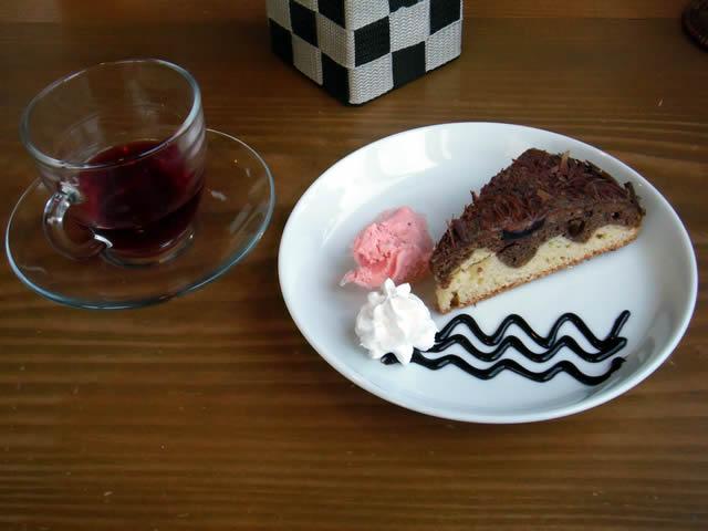 cafe mitte 4月のケーキ「ドナウ ヴィレ」