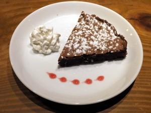 cafe mitte「ショコラーデン クーヘン(Schokoladen kuchen) 2015/2/1」
