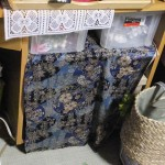 自分の部屋の物置用作業机「垂れ布をチェンジ」