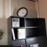 部屋の模様替え-「アトリエ兼自室 収納棚の上にある時計(2017/3/19)」