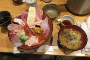 近江町市場1階 トクトク海鮮丼