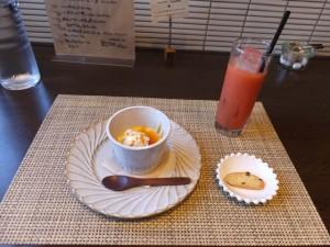 Radiceランチコース「本日のデザートよりさつまいものプリンとブラッドオレンジジュース(2015/10/8)」