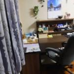 部屋の模様替え-「アトリエ兼自室 窓側作業机と椅子(2016/9/11)」