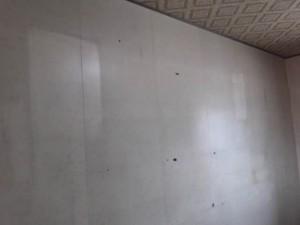 部屋の模様替え「壁(クリーニング前)」