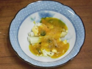 白アスパラ料理「シュパーゲルとスクランブルエッグのカボチャクリームソースがけ」